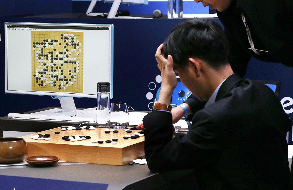 رقابت AlphaGo با انسان