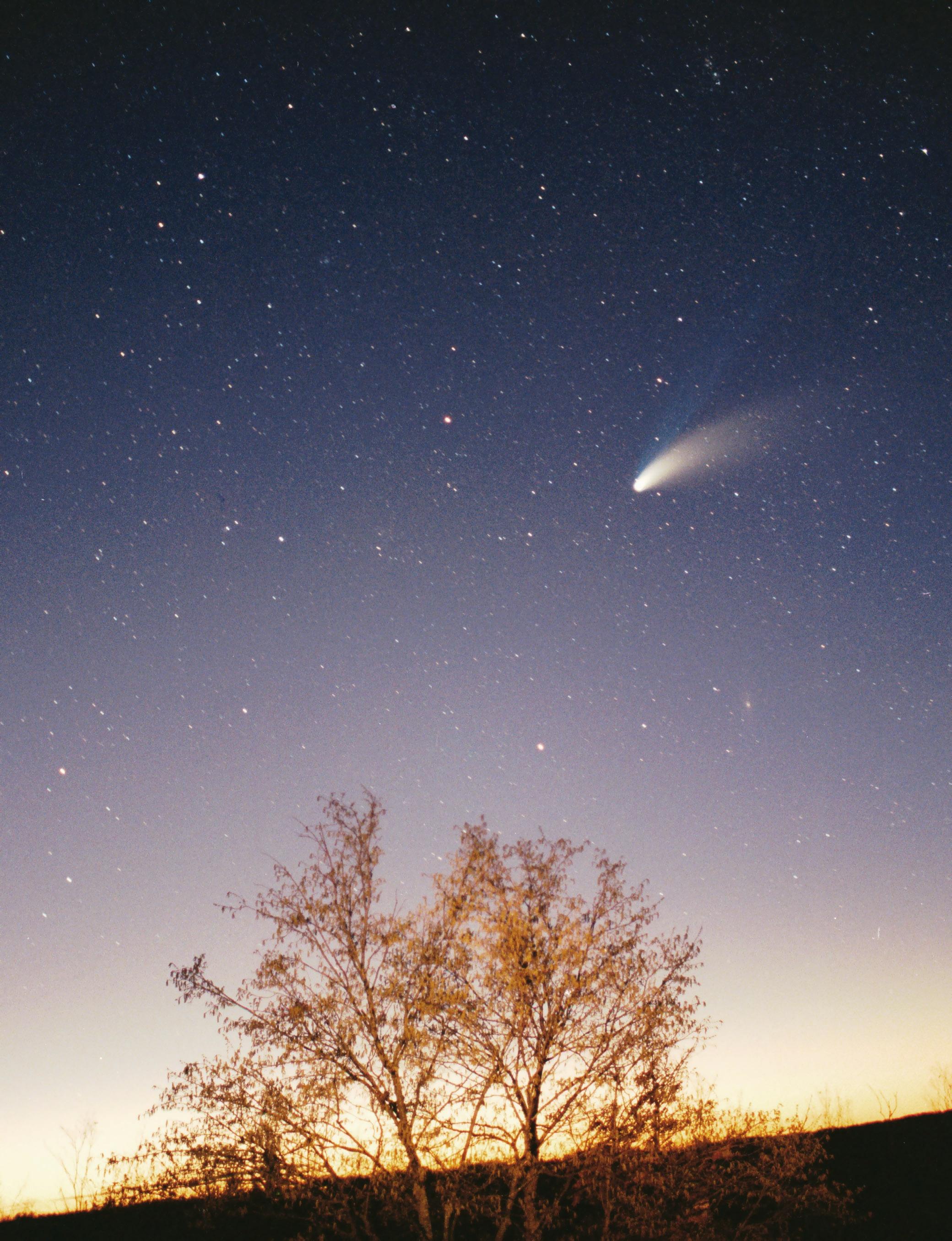 ستاره دنباله دار هیل-باپ با چشم غیر مسلح
